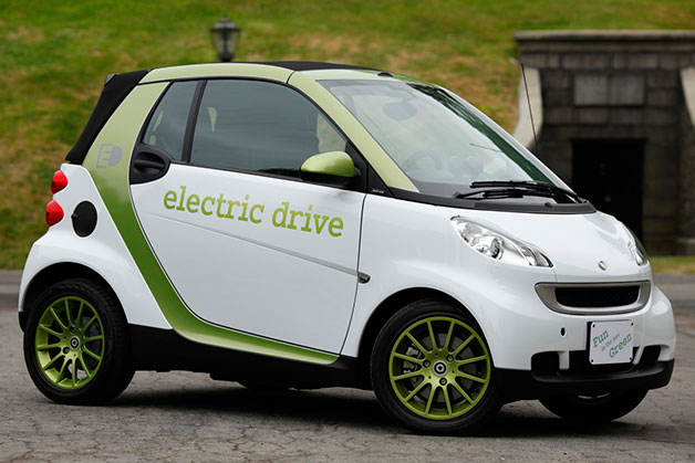 Side shot of the 2011 Smart ForTwo ED