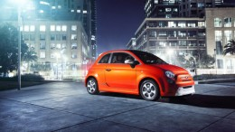 Front left view of Fiat 500e Exterior in Orange