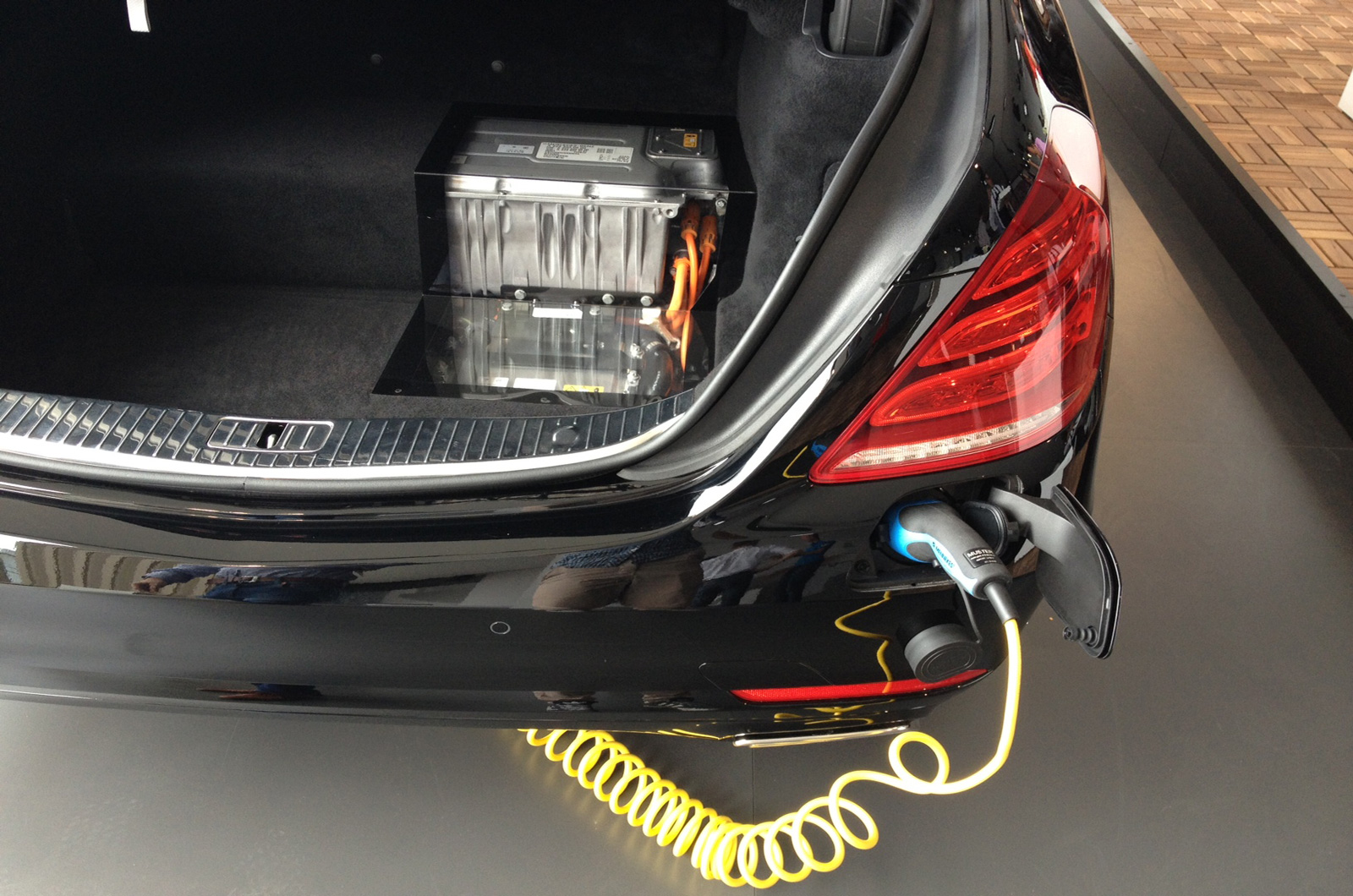 Mercedes benz s500 plug in hybrid battery pack my for How long does it take to build a mercedes benz