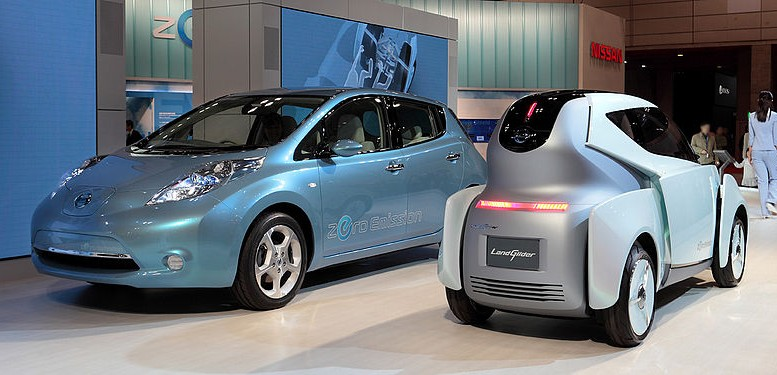 Nissan Leaf and Nissan Land Glider Concept