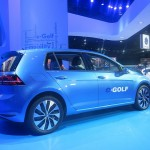2015 Volkswagen e-Golf shot of the side