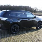 Black on black Mitsubishi Outlander PHEV