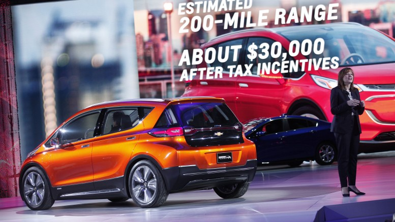 200 mile EV Chevrolet Bolt concept unveiled January 2015 at NAIAS