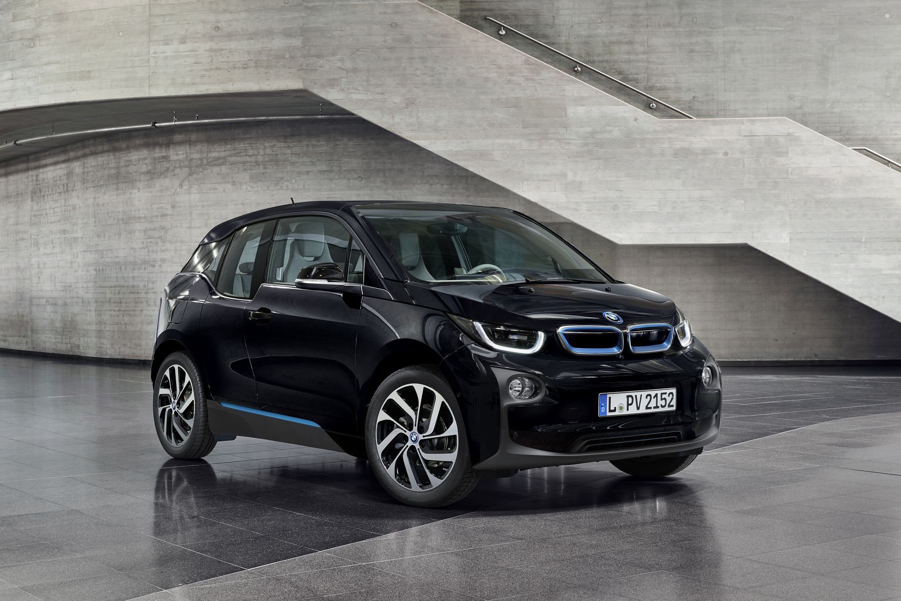 2017 bmw i3 new color fluid black my electric car forums. Black Bedroom Furniture Sets. Home Design Ideas