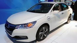 Front view of the 2014 Honda Accord Plug-in from the 2012 North American International Auto Show